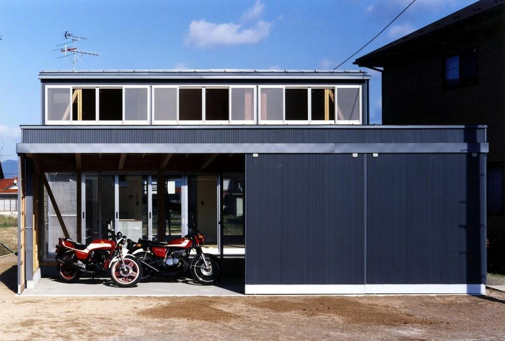 ガレージの家 (外観)