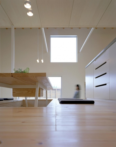 ダイニングキッチン (床段差の家)