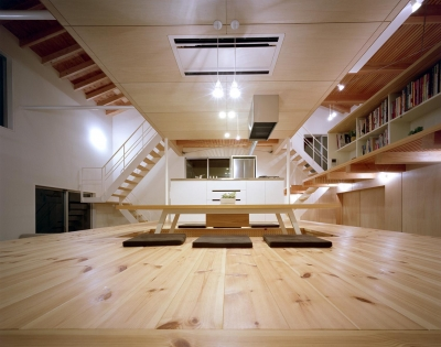 床段差の家 (内観)