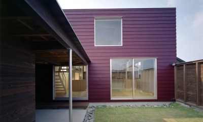 床段差の家 (庭)
