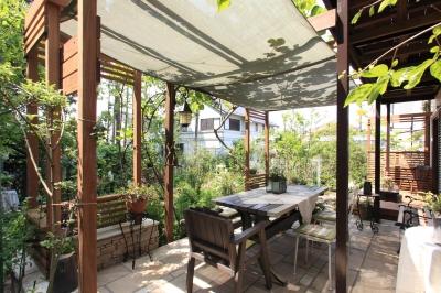美しい庭 (川崎市M邸:花と緑を楽しむガーデンデザイン)