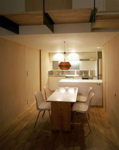 階段の家 (ダイニングキッチン)