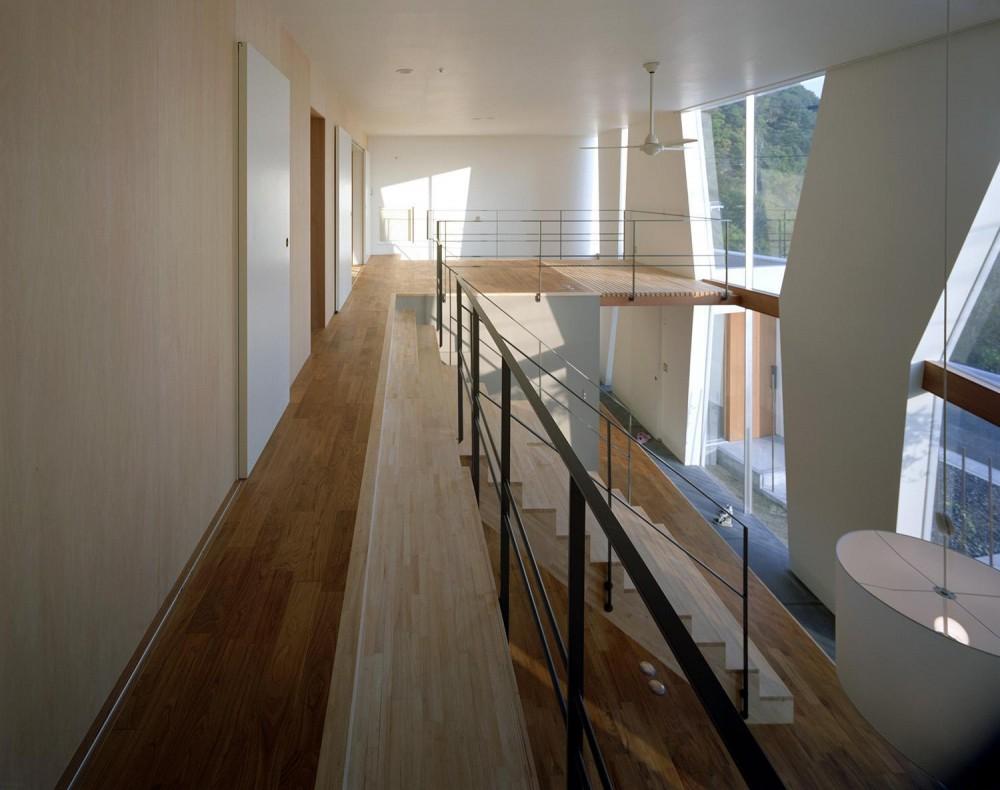 階段の家 (内観)