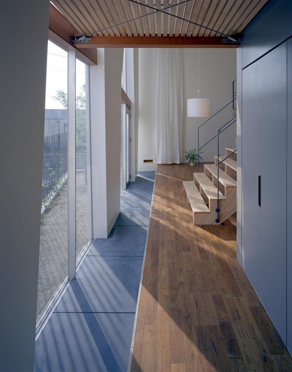 階段の家 (廊下)