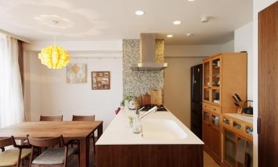 ダイニング・キッチン M邸・家族と囲む、明るいキッチン