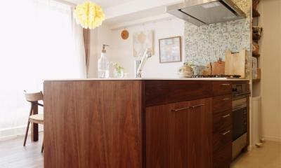 こだわりのオリジナルキッチン M邸・家族と囲む、明るいキッチン