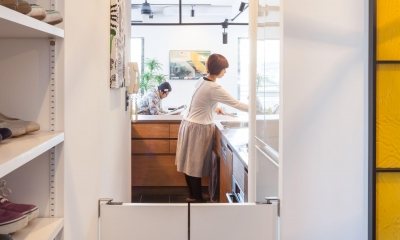TOP UP!—たくさんの趣味を盛り込んだ機能的なお部屋 (キッチンへの導線)