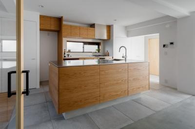 キッチン (通り土間の家)