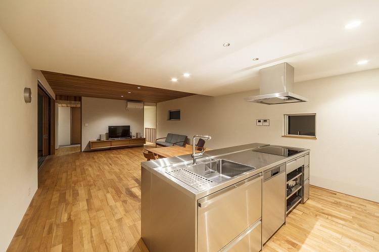 丸川の家の部屋 ステンレスのオーダーキッチン
