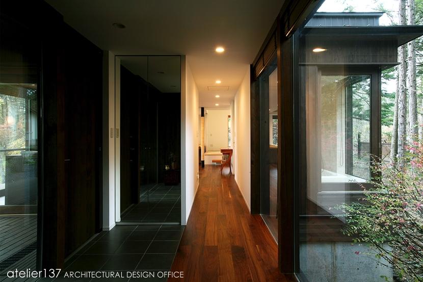 006軽井沢Kさんの家の部屋 玄関廊下