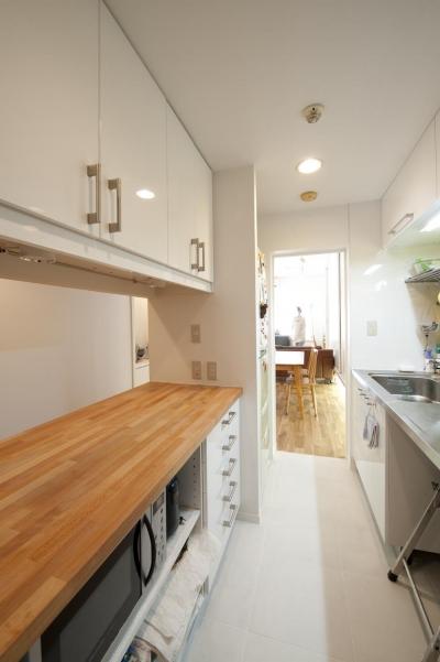 キッチン収納 (S邸・シンプルで木の温もりを感じるお家)