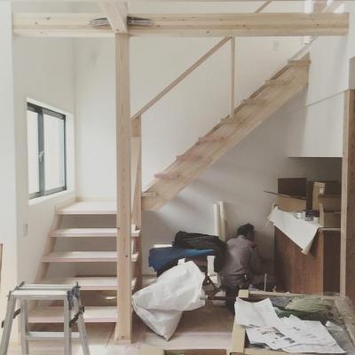 THE 3rd HOUSE PROJECT せりがやパークサイドハウス (吹き抜けの家:階段)