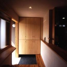 小さな住処 (小さな玄関の空間)