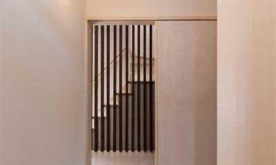廊下|多機能な格子