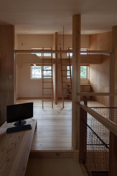 子供部屋 (段々畑の家)