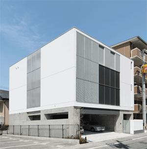 WHITE BOX&BLACK WALL (南東面全景)