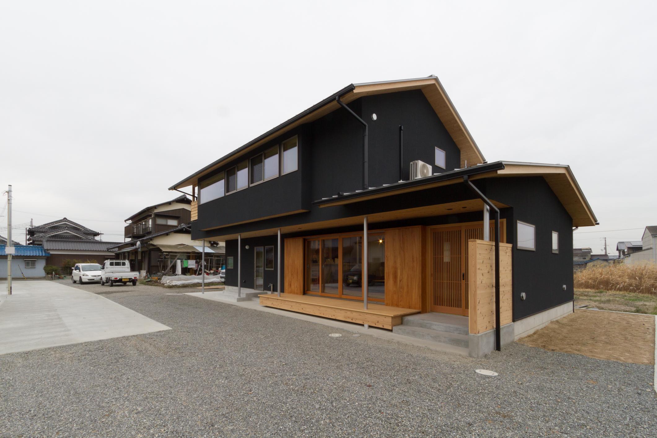 NOUKA project!の部屋 黒い外観