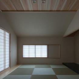 四隅のいえ (琉球畳を敷き詰めた和室)