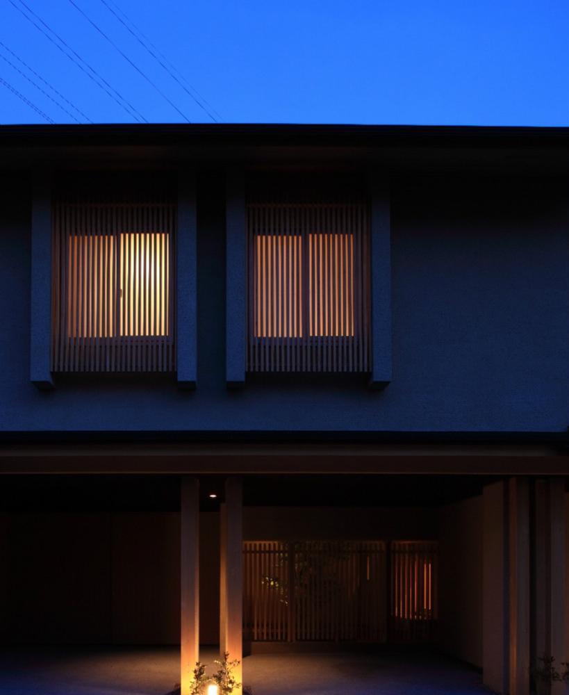 Kさんの住家 (外観 (夜景))