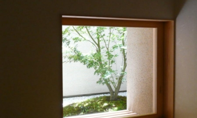 Kさんの住家 (地窓)