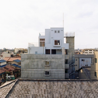 RC造上部の鉄骨オーナー宅01 外観 (賃貸住居の屋上は中庭のあるオーナーの家|湯里の集合住宅)