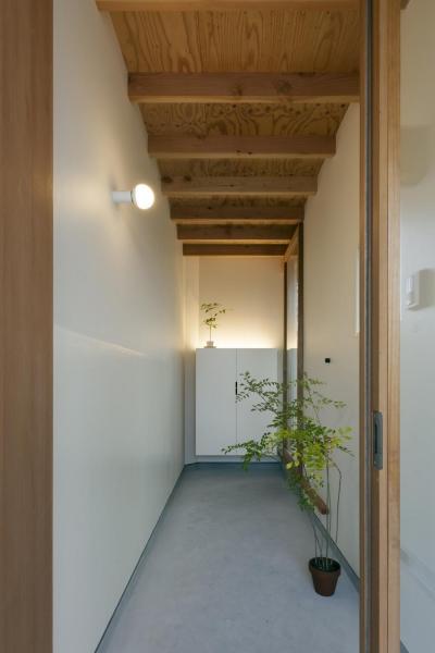 玄関 (廊下の家)