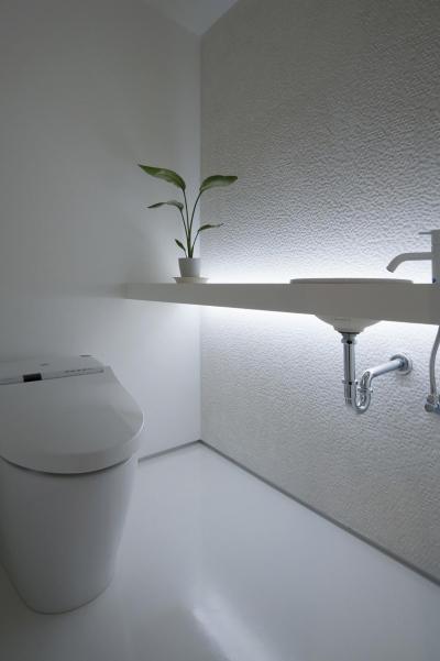 トイレ (玉砂利の家)