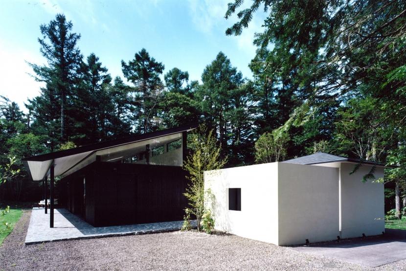 軽井沢の家3 (道路側からの外観)