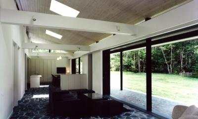 軽井沢の家3 (リビングからダイニングを見る)