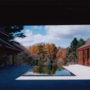 浅間山を正面に見る中庭