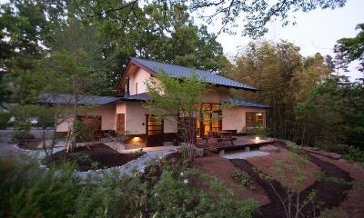 大泉の舎 (豊かな自然環境に馴染む住まい)
