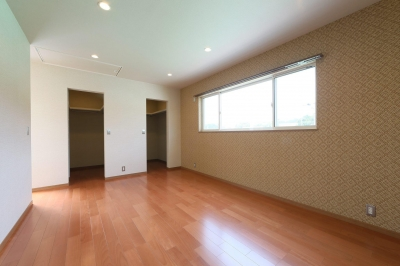 寝室 (M's residence)