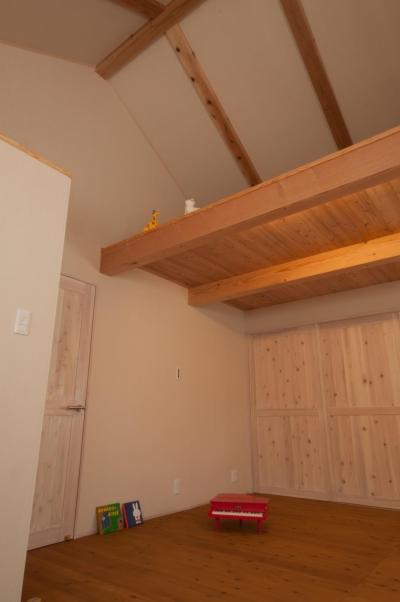 天井が高い子供部屋 (鏡島の家)