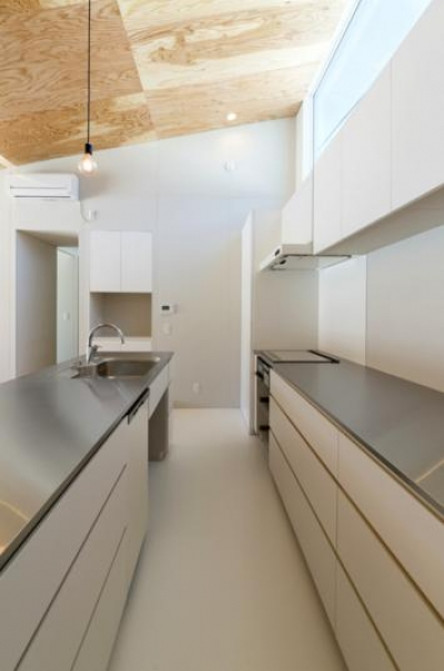 ステンレスのキッチン (変化する絵画)