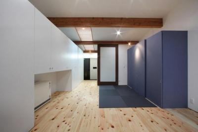 畳スペースのあるリビング (内記の家 其の二)