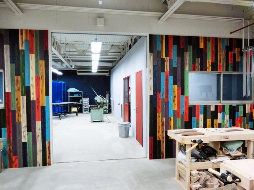 Makers' Base 木工部屋 刺激を与える壁作り (木工加工部屋)