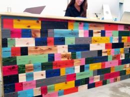 Makers' Base 木工部屋 刺激を与える壁作り (Makers'Base 受付)