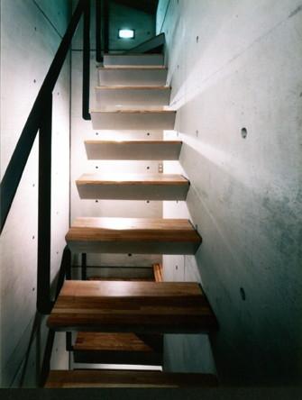 白金の家の部屋 階段