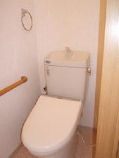 築50年の歴史ある家がまるで新築 (洗浄便座付の節水型トイレ)