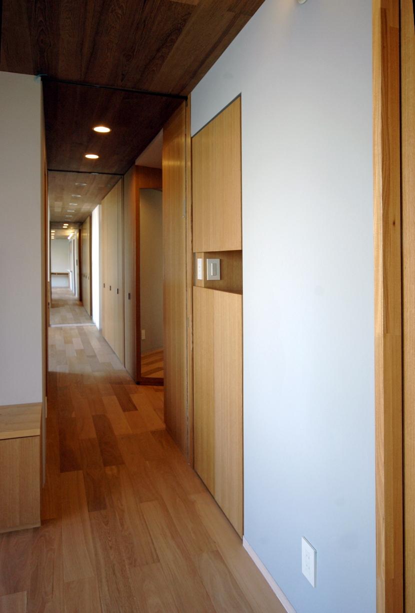 目黒S邸の部屋 廊下-2