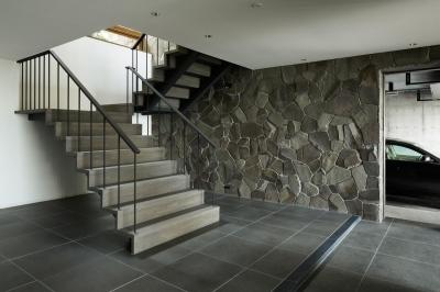玄関・階段1 (HJ山荘)