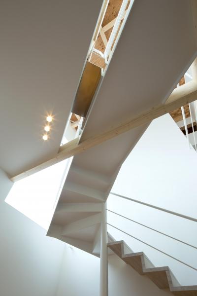 白箱の家 (階段)