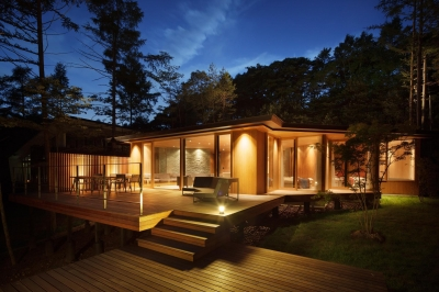 BL山荘 (外観 夜)