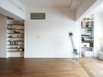 壁収納 (linoー時間で仕切る、家族の広々ワンルーム)