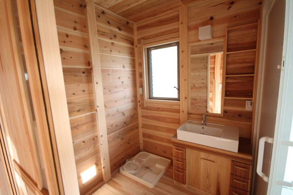 薪ストーブがある家 (オリジナル 木製洗面脱衣室)