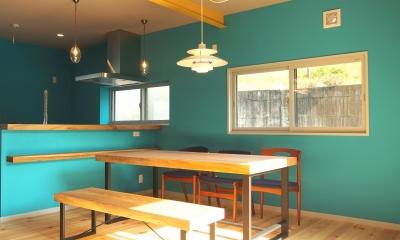 一戸建てリノベーション - 色彩を愉しむ家