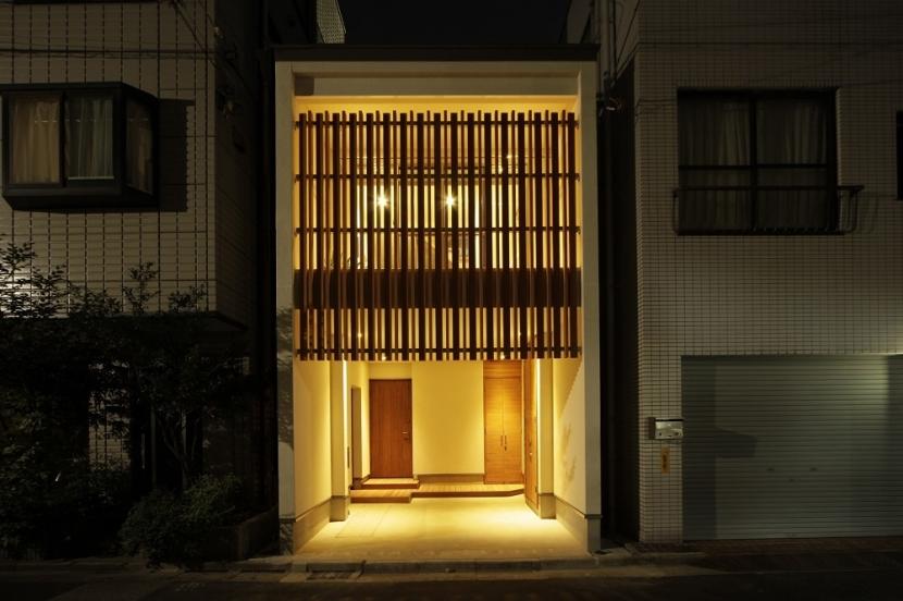 門型フレーム 住宅の写真 狭小敷地の住宅
