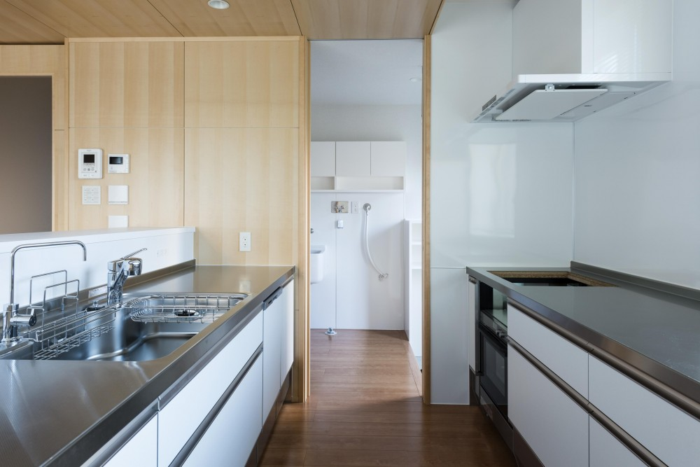 HOUSE I / LEDが広がる家 (キッチン)