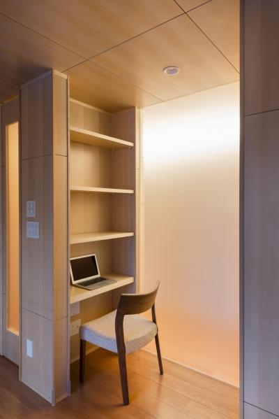 HOUSE I / LEDが広がる家 (書斎・収納)