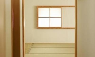 「ひかり降り注ぐ極小二世帯住宅@現代京町家」 (廊下)